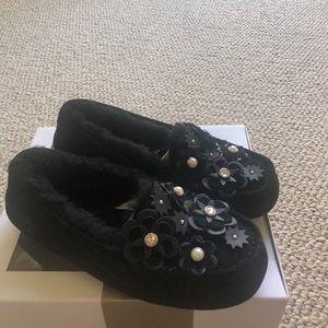 Ugg black Ansley petal loafers size 5 New